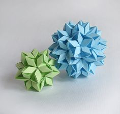 This is the gallery of Lukasheva Ekaterina paper art. I adore modular origami technique, kusudamas and papercraft geometric objects. You can find here visual ideas, some diagrams and tutorials of my beautiful kusudamas. Origami Star Box, Origami Ball, Origami Fish, 3d Origami, Origami Stars, Origami Ideas, Origami Bookmark, Origami Paper Folding, Origami And Quilling