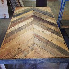 lamon luther pallet table