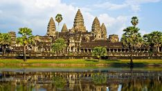 Angkor Wat: A temple complex in Cambodia. It is the largest religious monument in the world. Laos, Angkor Vat, Delta Du Mekong, Temple Ruins, Vietnam Tours, Backpacking Asia, Borobudur, Beautiful Architecture, Historical Sites
