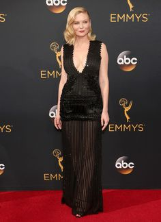 KIRSTEN DUNST at the Emmy's red carpet