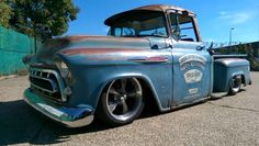 1957 chevy stepside 3100 bagged