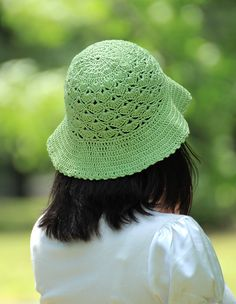 Green crocheted summer hat with a good price!