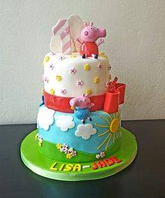 Birthday cake whit little pigs