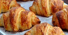 Ha nincs kedved sok időt eltölteni a konyhában, mégis valami házi finomságra vágysz, próbáld ki a villámgyors csokis croissant receptünket!