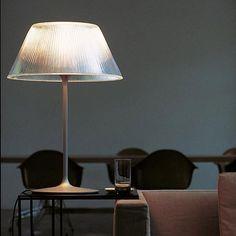 Romeo Moon T: Discover the Flos table lamp model Romeo Moon T