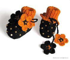 Halloween baby booties black baby girls shoes handmade halloween costume shoes girls shoes baby shoes toddler shoes / size 4-6 M