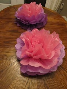 Charlie The Cavalier : 5-Step Pom Pom Centerpiece from Tissue Paper Tutorial