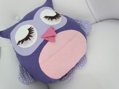 Owl pillow inspiration.
