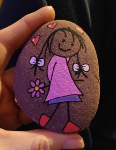 Many people believe that there is a magical formula for home decoration. You do things… Stone Crafts, Rock Crafts, Crafts To Make, Crafts For Kids, Arts And Crafts, Rock Painting Patterns, Rock Painting Ideas Easy, Rock Painting Designs, Pebble Painting