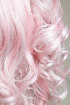 pink curls. wow, this is such a pretty color!