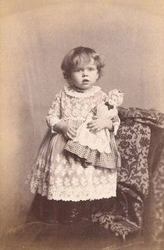 Primarily Primitives by abigailes_mommy: Vintage Little Girls & Dolls Images