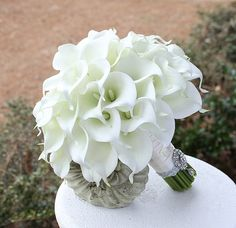 Cally Lily Bouquet. Elegant  White Wedding Bridal Bouquet Real Touch Mini Calla Lillies