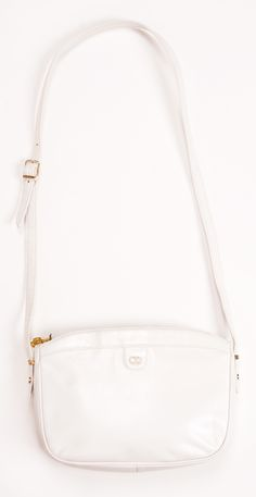 cute shoulder bag in white