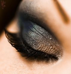 'tis not the season for grey eyes...but SO pretty. Love the taupe in the inner corner.