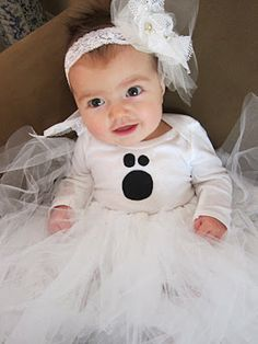 DIY: Baby Ghost Halloween Costume Tutorial Revealed To make this costume I used my sister& tutu tutorial found HERE. Baby Chicken Halloween Costume, Diy Halloween Costumes For Girls, Cute Baby Costumes, Baby Girl Halloween Costumes, Diy Costumes, Halloween Kids, Costume Ideas, Infant Halloween, Holidays Halloween