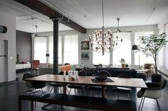 Dean DiSimone's renovated loft in SoHo, New York   Saarinen Executive Armless Chairs   PC: Brian W. Ferry   Knoll Inspiration