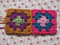 Detailed photo tutorial on how to crochet a granny square for absolute beginners. Spiral Crochet, Crochet Squares, Crochet Granny, Granny Squares, Easy Crochet, Knit Crochet, Crochet Chart, Crochet Stitches, Crochet Blankets