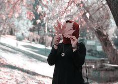 No photo description available. Hijab Niqab, Muslim Hijab, Mode Hijab, Hijab Outfit, Beautiful Hijab Girl, Beautiful Muslim Women, Hijabi Girl, Girl Hijab, Girl Photo Poses