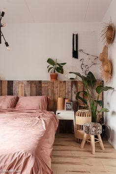 Warm Bedroom, Bedroom Inspo, Master Bedroom, Bedroom Themes, Home Decor Bedroom, Bedroom Furniture, My New Room, My Room, Diy Zimmer