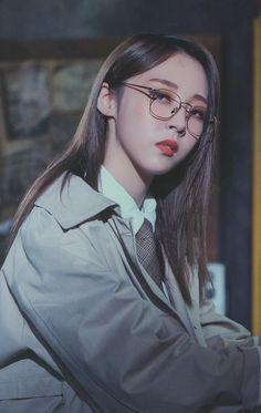 2019 Mamamoo Season's Greetings - Moonbyul Kpop Girl Groups, Korean Girl Groups, Kpop Girls, My Girl, Cool Girl, Mamamoo Moonbyul, Solar Mamamoo, Stars And Moon, Me As A Girlfriend
