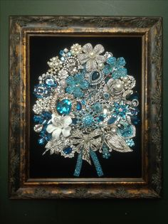 Costume Jewelry Crafts, Vintage Jewelry Crafts, Recycled Jewelry, Jewelry Frames, Jewelry Tree, Old Jewelry, Rhinestone Crafts, Rhinestone Jewelry, Diy Decorate Picture Frame