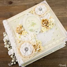 Amoureux Pour Toujours Album Cover ~ love the cover of this mini, so many ideas for my wedding album popping in my head!!