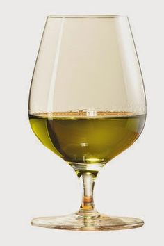 Green as a Green Chartreuse VEP in its glass ! Wine And Spirits, White Wine, Alcoholic Drinks, Glass, Grey, Color, Liquor Drinks, Ash, Colour
