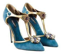 <br>Dolce & Gabbana SS15 Blue Velvet & Leather Embellished T Strap Pump SZ 37 Size: 37Color: Blue,Gold,Purple,Yellow,Made In: ItalyFabric Content: Upper: Velvet, Leather; Insole: Velvet; Outsole: LeatherItem Specifics & Details: Comes in a dust bag. From the Spring/Summer 2015 collection. Features a T-strap, floral crystal embellishments, a stiletto heel, a pointed toe, and contrasted, antique metallic gold leather trimming. Measurements*: Insole Length: 9.75Insole Width: Approximately…