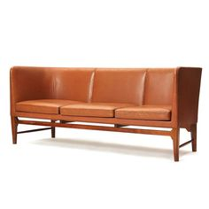 obscure and rare sofa By Arne Jacobsen image 3