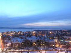 University of Vermont Winter Sunset Vermont Winter, University Of New Hampshire, College Aesthetic, Burlington Vermont, New England Travel, Dream School, Winter Sunset, Mountain States, Celebrity Travel