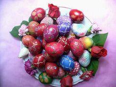 Greek Easter Eggs Hoppy Easter, Easter Eggs, Orthodox Easter, Easter Egg Pattern, Greek Easter, Greek Culture, Happy Spring, Egg Decorating, Greek Recipes