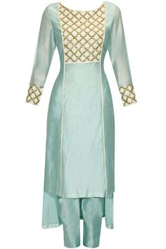 Turquoise blue cutdana and pearl embroidered kurta and pants set available only at Pernia's Pop Up Shop. Indian Bridal Wear, Indian Wear, Lovely Dresses, Stylish Dresses, Salwar Kameez, Salwar Pattern, Indian Look, Latest Designer Sarees, Pakistan Fashion