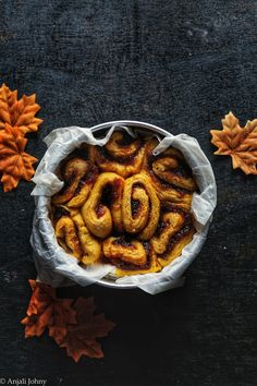 Yes you read the title right. These are Pumpkin spiced flavoured Cinnamon Rolls! Ah, sounds like a hug. So to be honest, India has no such season as Fall. We have varying phases of summer and a ver…