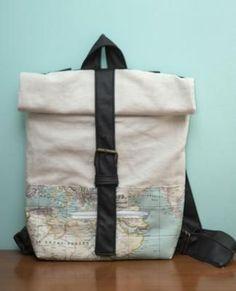 Rolltop backpack free pattern and tutorial Diy Mochila, Tote Bags, Diy Bags Patterns, Diy Backpack, Diy Bags Purses, Top Backpacks, Ideias Diy, Diy Clothing, Handmade Bags