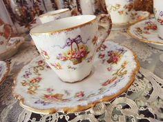 リモージュ・カップ&ソーサー(在庫6/残り0) - イギリスとフランスのアンティーク | バラと天使のアンティーク | Eglantyne(エグランティーヌ)