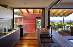 Phorm Architecture created an escapist retirement retreat External Cladding, Metal Cladding, Shower Recess, Outdoor Rooms, Outdoor Decor, New Territories, Kitchen Wall Tiles, Kitchen Benches, Mid Century House
