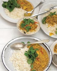 A fragrant and delicious crab curry recipe from Jamie Oliver; a great dish and easy seafood dish for the whole family. Crab Recipes, Indian Food Recipes, Ethnic Recipes, Party Recipes, Drink Recipes, Keto Recipes, Seafood Dishes, Fish Dishes, Veggie Dishes