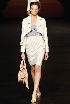 Vivienne Westwood Red Label Spring 2009 Ready-to-Wear - Collection - Gallery - Look 1 - Style.com