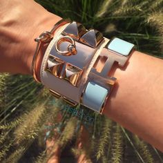 Santa Claus came Hermes Bracelet, Bracelets, Fashion Accessories, Fashion Jewelry, Arm Party, All Fashion, Everyday Look, Anklets, Jewels