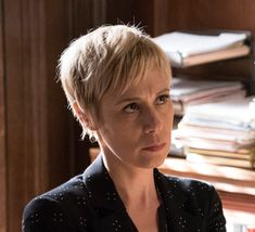 Long Pixie Hairstyles, Girl Hairstyles, Hairstyle Ideas, Hair Ideas, Liza Weil, How To Get Away, My People, Pixie Cut, Movies And Tv Shows