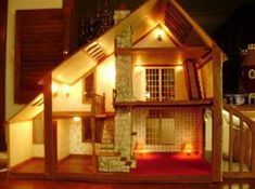 The Brookwood Cottage. Here with step by step instruction and pictures of how to make it Victorian Dollhouse, Modern Dollhouse, Diy Dollhouse, Dollhouse Miniatures, Miniature Dollhouse Furniture, Miniature Rooms, Dollhouse Interiors, Miniature Houses, Doll Home