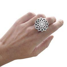 NURIA PARRADO SARANDESES. Fibonacci. Maxi Anillo: Plata. Modelo cerrado. #fibonacci #sacredgeometry #mathematics #nature #goldenratio #divineratio #Φ #fractal #spiral #ring #rings #silver #jewelry #jewellery #jewel #jewels #designer #design