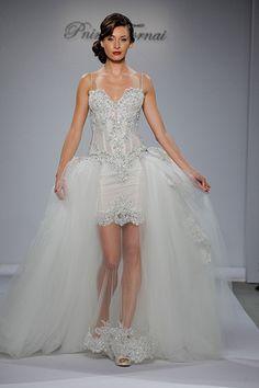 "#Wedding Gown Trends 2015 - ""Overskirts and Capes"" from Pnina Tornai 2015年のウェディングドレスのトレンド「オーバースカート&ケープ」。ドレスにプラスするだけで、雰囲気が一転。式と披露宴の使い分けに人気です。"