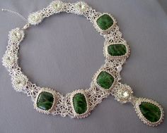 Yakut emeralds in lace | biser.info - all about the beads and beaded works
