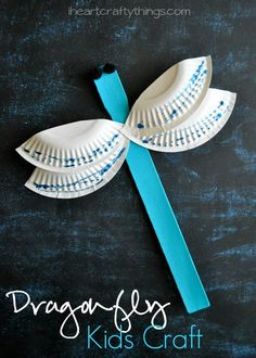 Use a paint stick to make this Dragonfly Craft for Kids. Simple and fun kids craft for #spring or #summer and for preschool. From iheartcraftythings.com