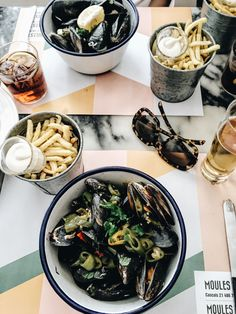 Lisbon Food Guide - 11 Places to eat in Lisbon: Moules & Co - teetharejade.com   RePinned by : www.powercouplelife.com