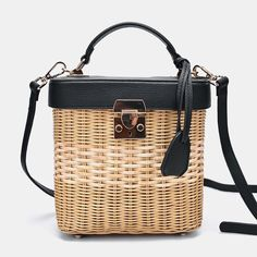 Woven Rattan Single-shoulder Strap Bag