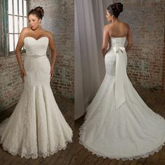 {Fit-n-flare wedding dress} Lace overlay with scalloped edges