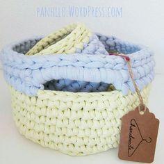 Buenos días!!! Pedido de cesto para baño terminado  espero que le guste mucho a su dueña  #cesto #DIY #tshirtyarn #manualidades #basket #barcelona #trapillo #puntobajo #tshirtyarn #handmadewithlove #traphilo #handmade #sweet #love #crocheting #amano #crochet #bigganxet #fetamà #crochetxl #crochetxxl #ganxetxxl #ganxetxl #ganxetxxl #ganxetxl #barcelona #hmbcn #hmf2015