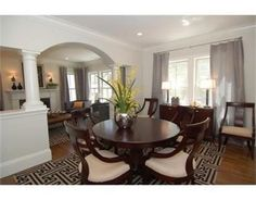 Transitional furnishings in a Cambridge dining room